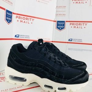 Nike AIR MAX 95 LX Pony Hair AA1103 001 Size 6.5